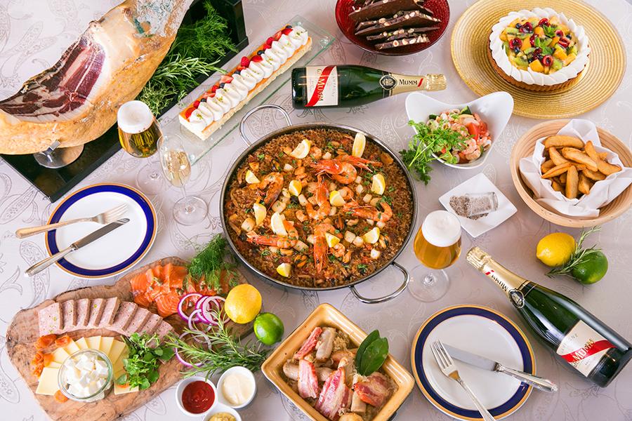 グリュイエールチーズとフェタチーズなどお酒にぴったりなひと品のほか、「サマーフルーツタルト」「チーズケーキ」などのデザートも