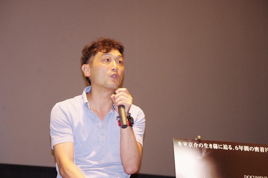 上映後のトークイベントに登場した山崎大介監督(8日・大阪)