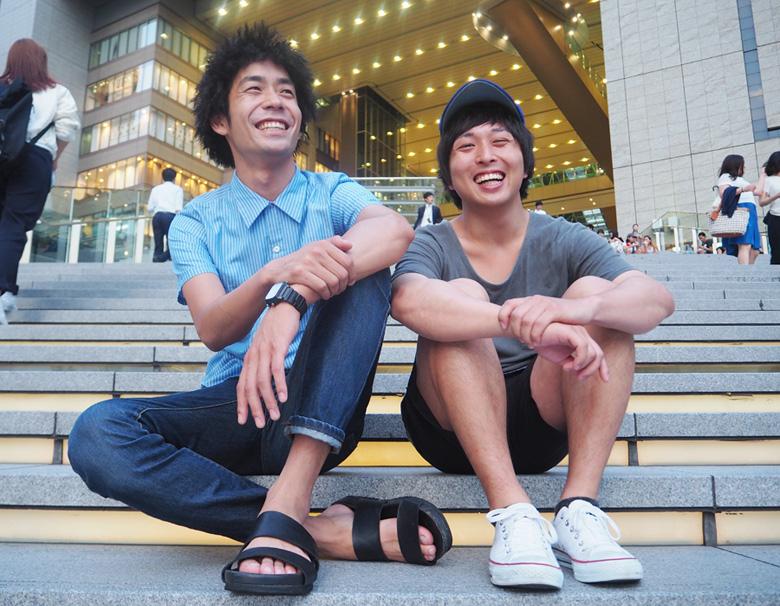 愛はズボーンの儀間建太(左)とプププランドの吉川淳人(右)