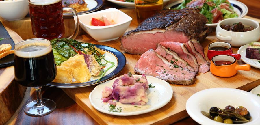 ビールと相性の良い肉を中心としたフードメニューも充実