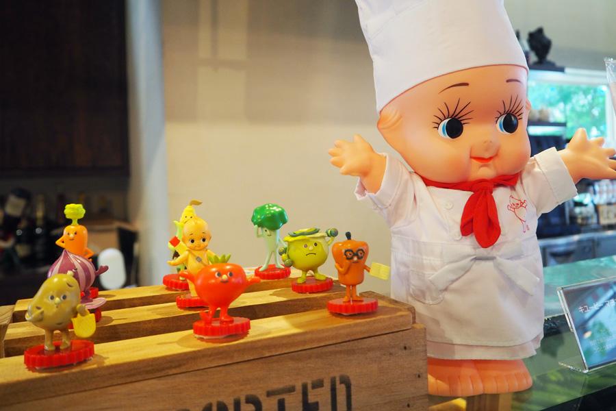 トマーナやムッシュ・コーン、ポテポなどカラフルな野菜をモチーフにしたオリジナルキャラクター