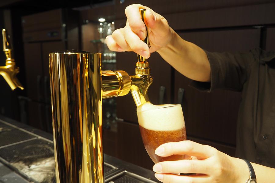 できたての樽生ビールは8種類、ほか3種類の吟醸酒も