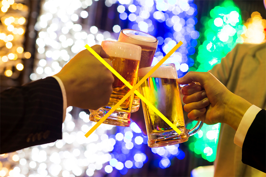 ビアガーデンなのに、ビールがないという「ノンビールDay」。6名につき、スパークリングワイン1本のサービスも