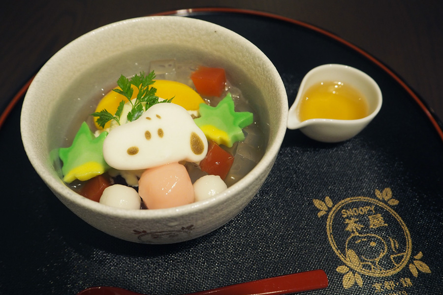 スヌーピー 京の野菜クリームみつ豆830円 © 2016 Peanuts Worldwide LLC