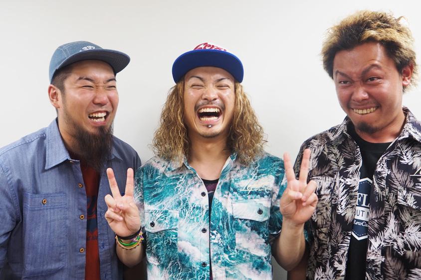 左から、FUJI(Dr)、KENTA(Vo&Ba)、KO-SHIN(Gt)