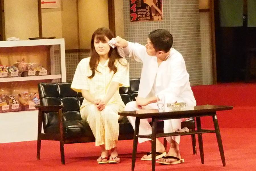 鈴の父親役の斉木しげるが「舞台で自分が泣くとは思いませんでした」と話すとおり、グッとくるシーンも多い ゲネプロより