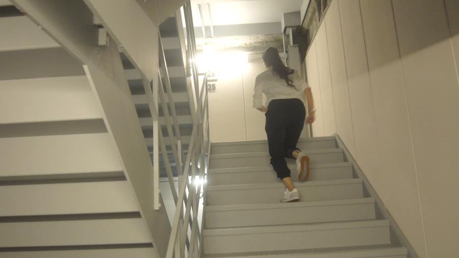 ハルカスの非常階段をただひたすらに駆け上がる