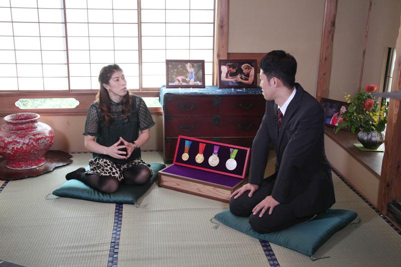 半年ぶりの対談となったレスリング・吉田沙保里選手(左)と小籔千豊
