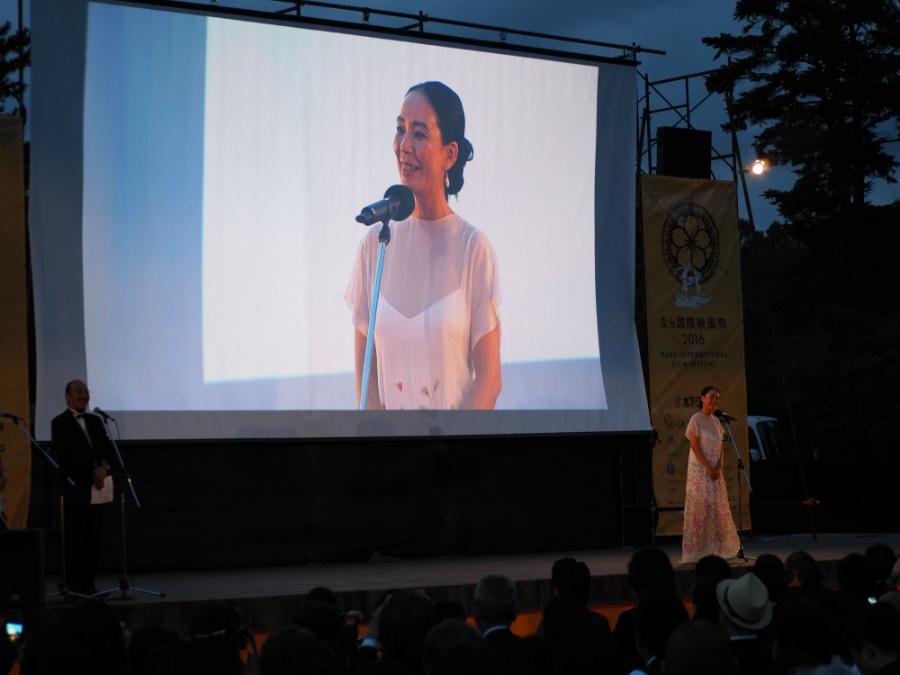 開会式で挨拶をするエグゼクティブディレクターの河瀬直美監督