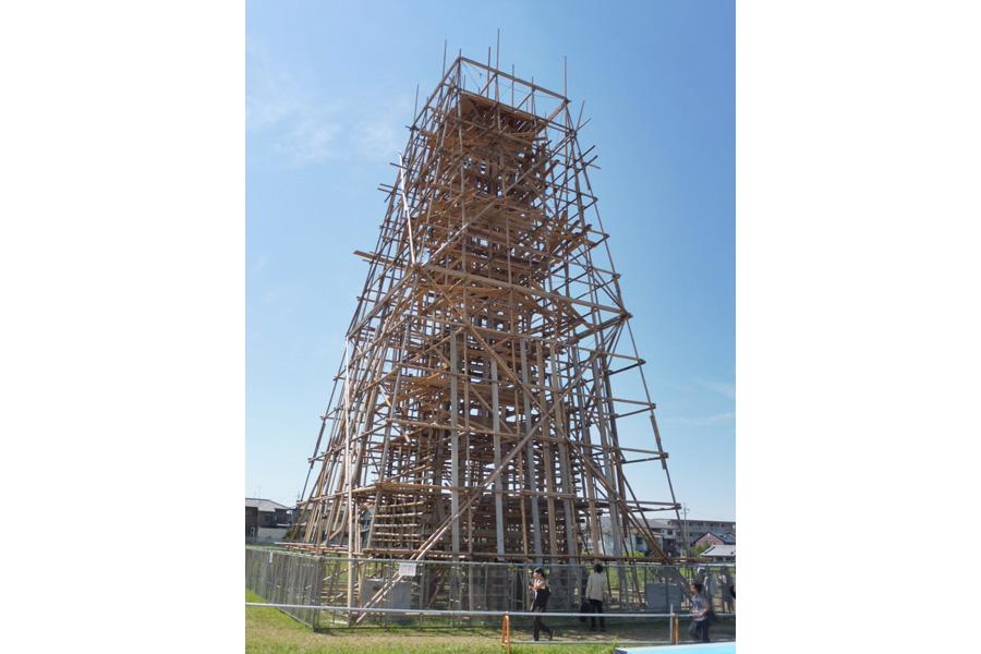 大安寺/川俣正(日本)「足場の塔」