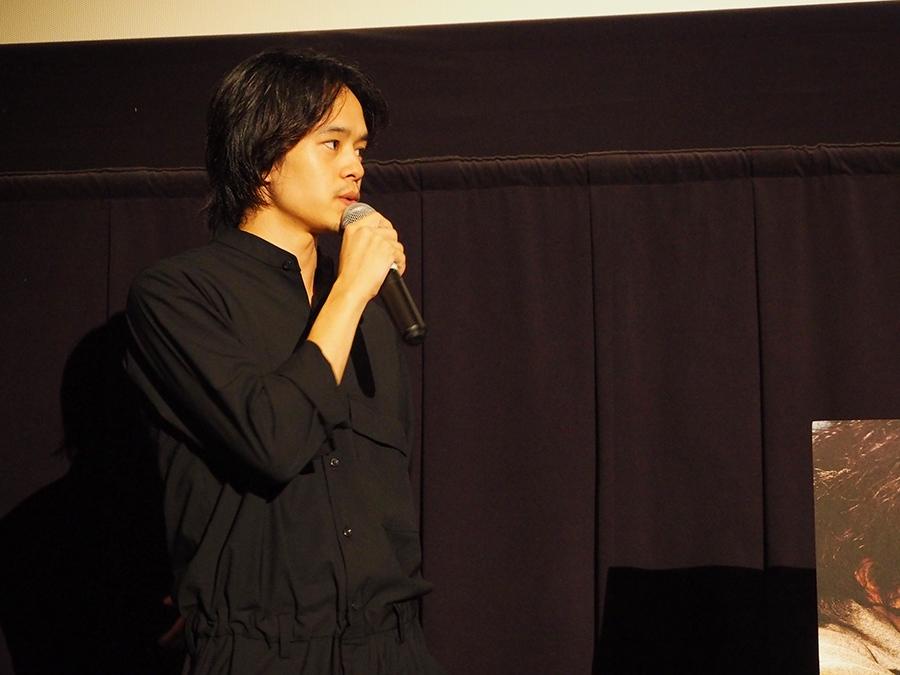 大阪市内でおこなわれた先行上映会に登場した俳優・池松壮亮