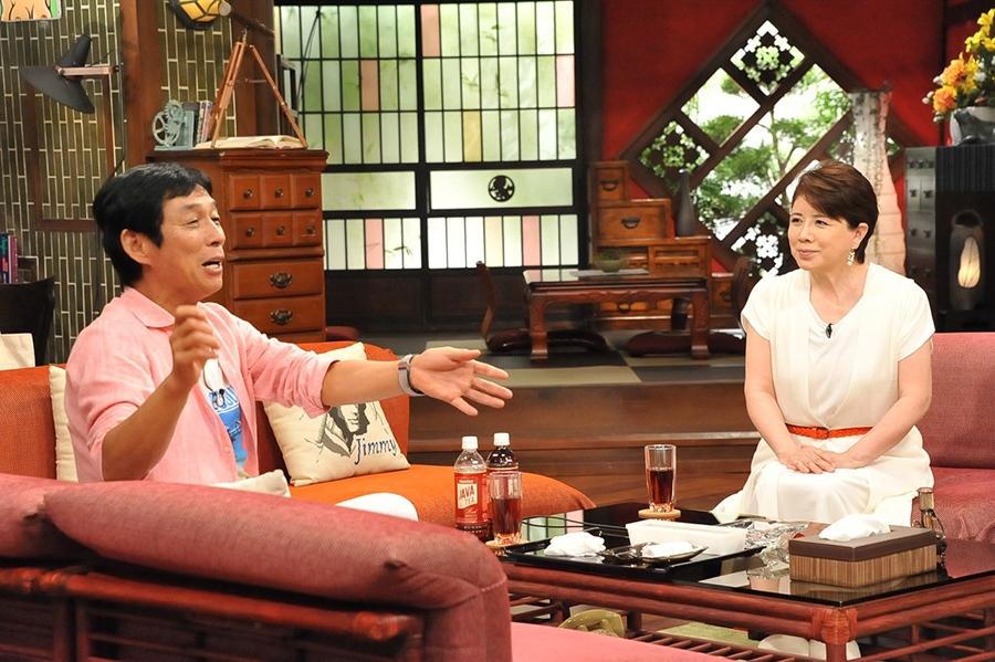旧知の仲である明石家さんま(左)と森昌子