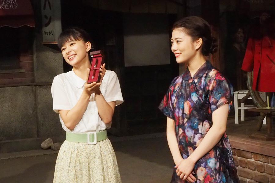 台本に書き込むことも多く「ぜひ使わせていただきます」喜ぶ芳根京子