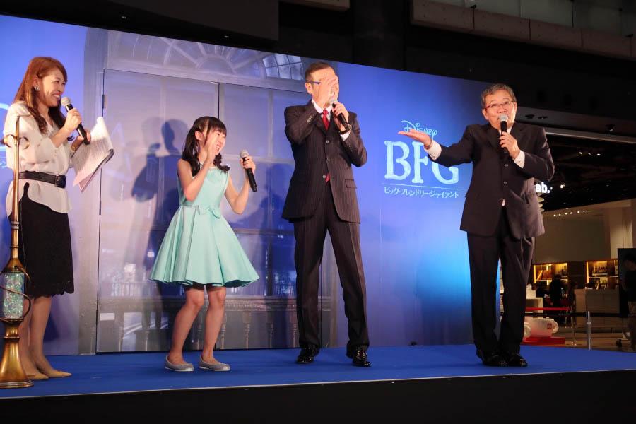 左から本田望結、オール巨人、オール阪神。みんなで笑顔あふれるトークを披露