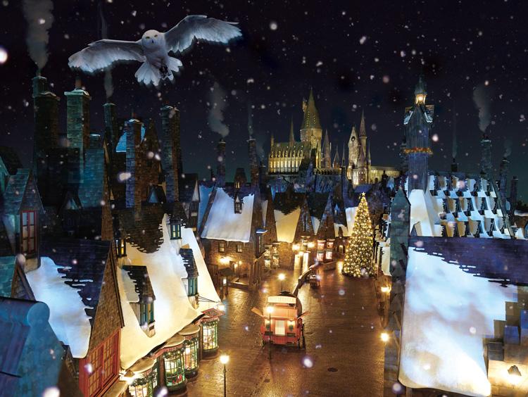 クリスマスツリーに魔法をかけるなど、 より深く映画の世界に浸ることができる今年のクリスマス