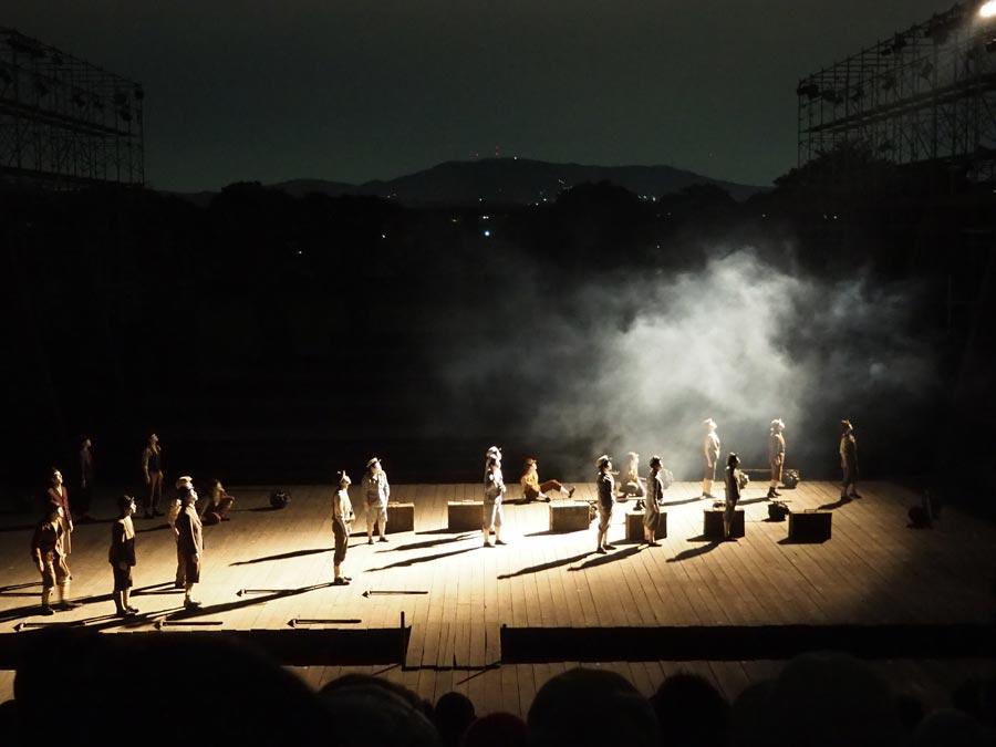 維新派野外公演『アマハラ』ゲネプロより(2016年10月13日、平城京跡)