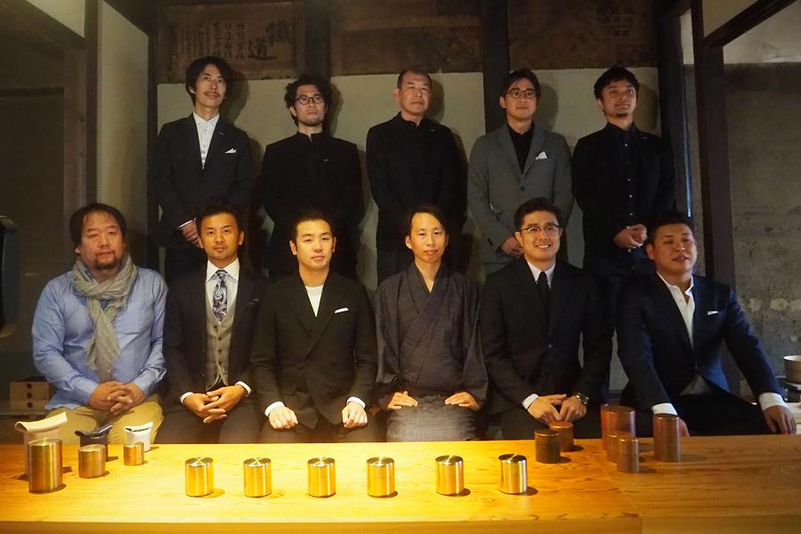 (前列)クリエイティブユニット・GO ONのメンバー(後列)パナソニック デザインセンターのメンバー