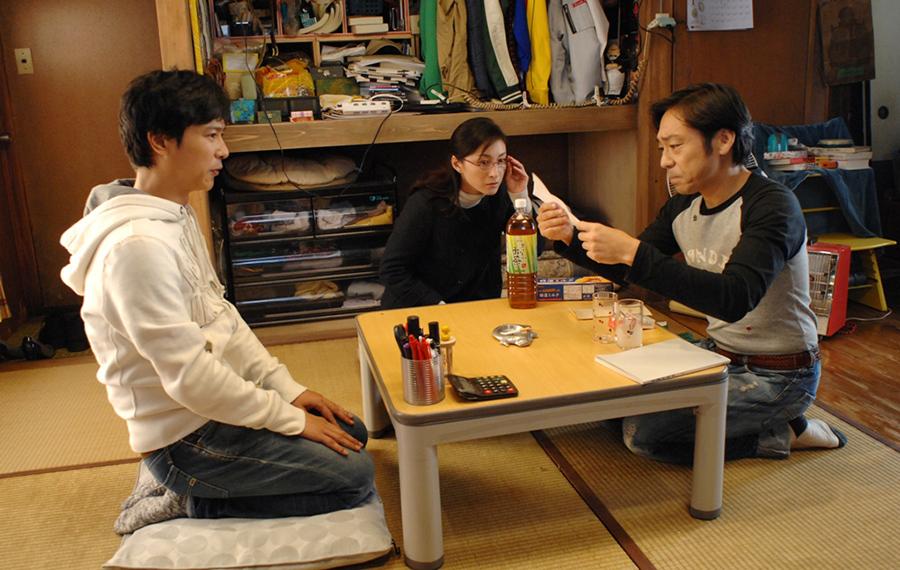 堺雅人、広末涼子、香川照之の3人 © 2012「鍵泥棒のメソッド」製作委員会