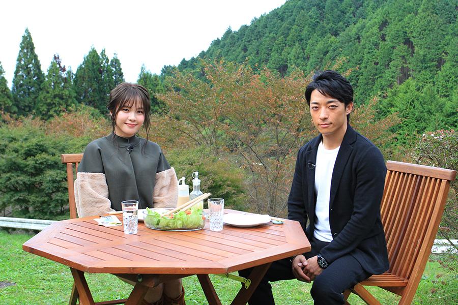 人気、実力を兼ね備えた川田将雅騎手(右)と、番組ナビゲーターをつとめたモデルのLilme