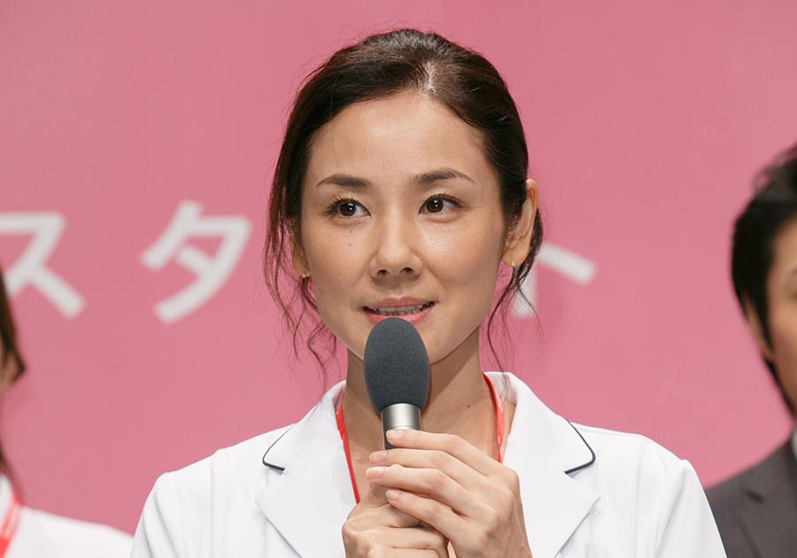 民放連続ドラマ初主演の意気込みを語る女優・吉田羊(8日・制作発表にて)