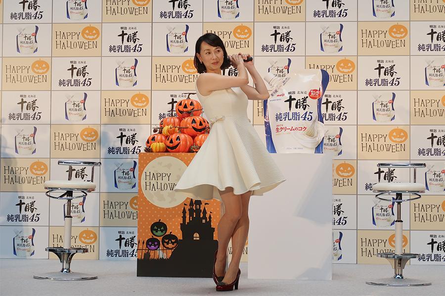 東尾理子が、グランフロント大阪で中学生ぶりというケーキ作りに挑戦