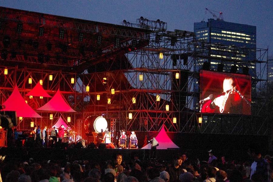 大阪城西の丸庭園で行われたユネスコ主催の『インターナショナル・ジャズデイ2014 大阪』(4月30日)