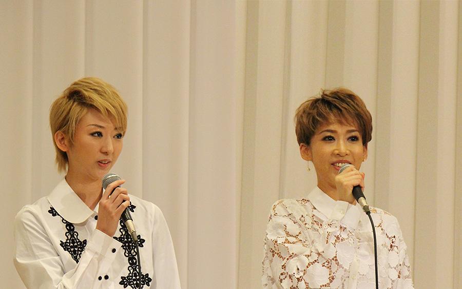龍真咲は「楽曲のエネルギーに負けないようしっかり演じたい」とコメント。宝塚歌劇団 専科の凪七瑠海は東京公演で再び衣装を着けエリザベート役に挑む
