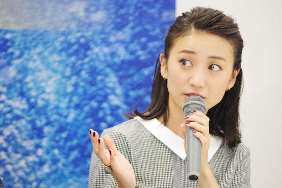 「野間口徹さんや田中要次さんとか、名だたるキャストがちょこちょこ出てくるところが、かくれんぼみたいな感じ。あ、ここにも出てきた、という楽しみがある」と大島(10/5、大阪市内)