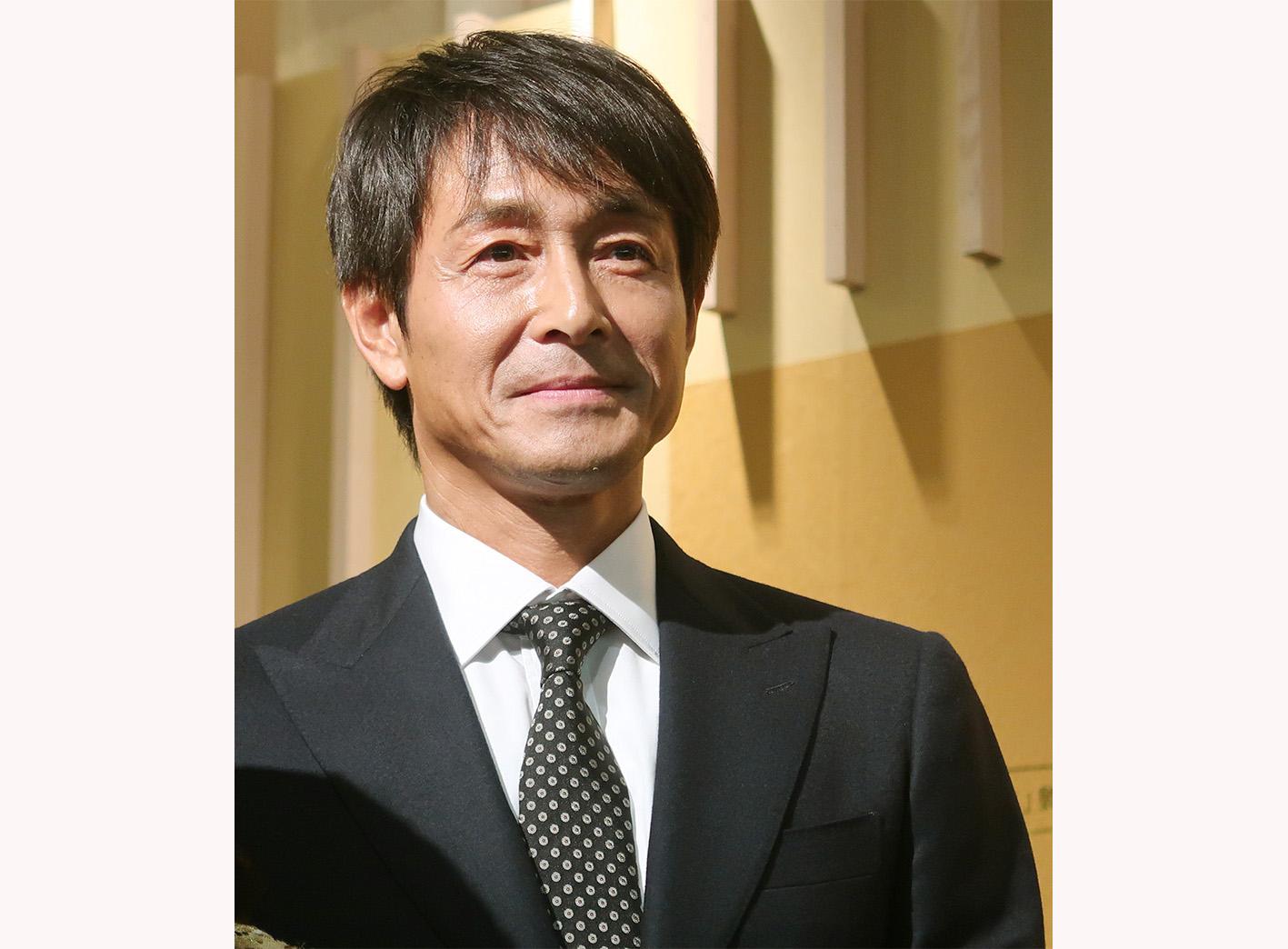 「昨夜、京都のおいしいお酒を飲み過ぎました」と会場からの笑いを誘った、吉田栄作