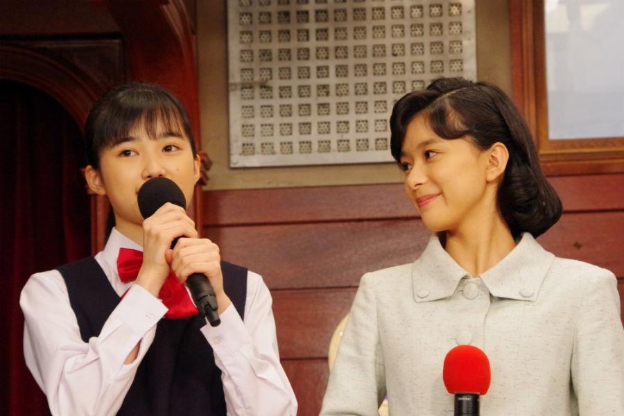 現実には同世代なのに親子役の2人。芳根は「友達にはならないように心がけてます」という