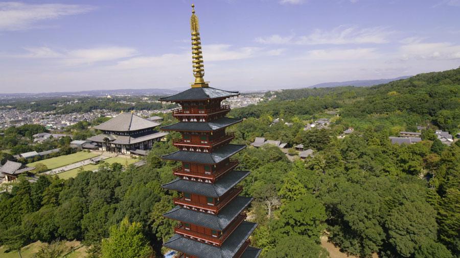 1月3日放送のNHK『歴史秘話ヒストリア』では、東大寺大仏殿の手前に、CGで巨大な「七重塔」が再現される