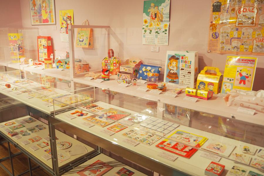 2000点ものふろくが展示されるのは初めて。1970・80年代のふろくも多数