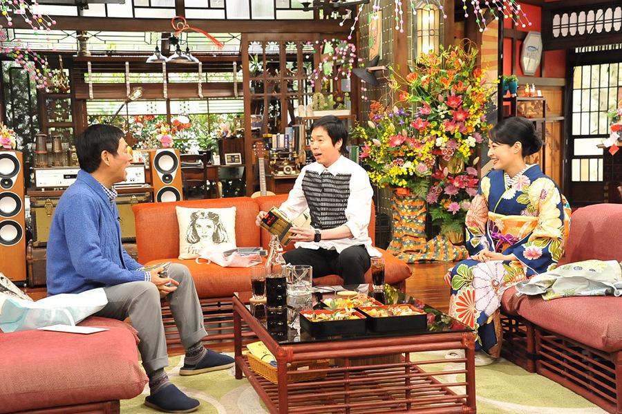 このコーナーが唯一の(?)レギュラー番組と称する女優の井上真央(右)