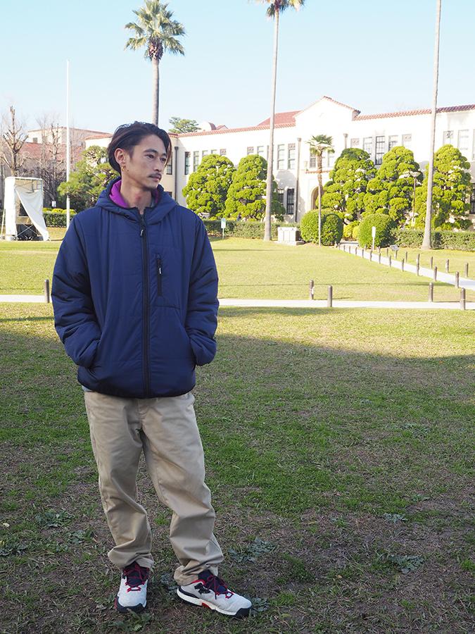 中央芝生・時計台の前でフォトセッションに応じた窪塚洋介(16日・関西学院大学 西宮上ケ原キャンパス)