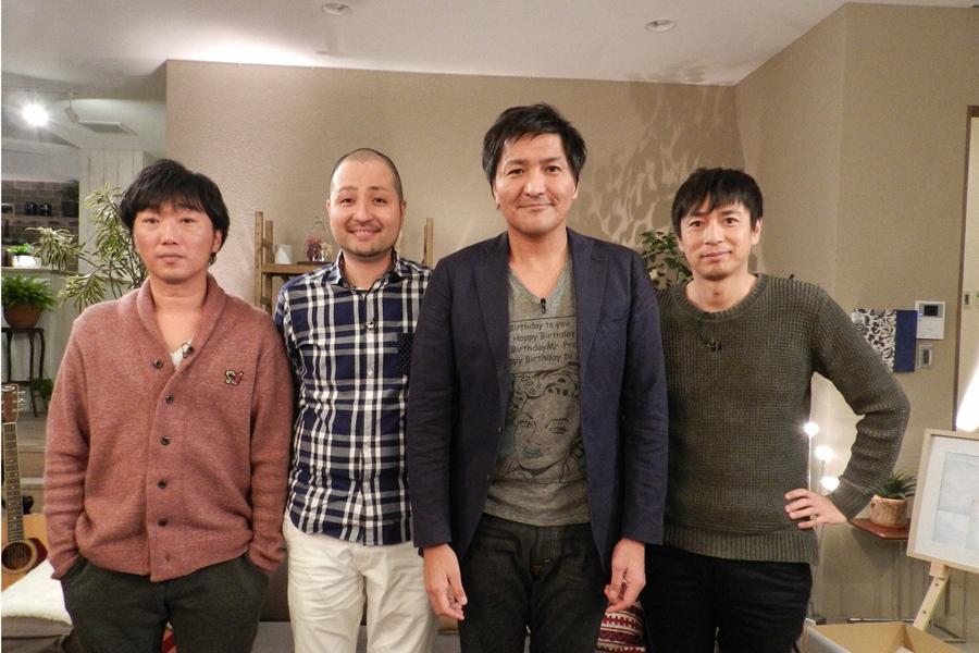 (左から)小沢一敬、スリムクラブの内間政成と真栄田賢、徳井義実 (C)ABC