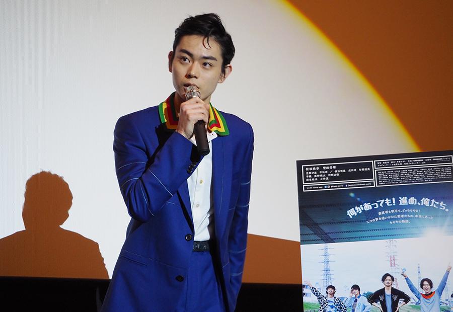 地元・大阪での舞台挨拶に登場した俳優・菅田将暉(12日・梅田ブルク7)