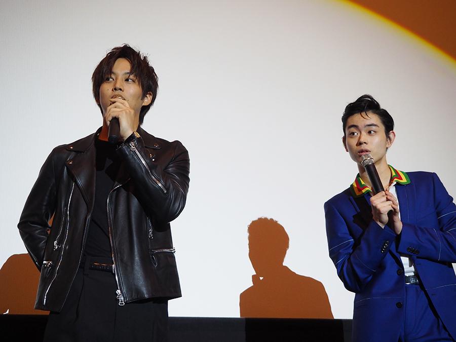 息の合ったトークを披露した松坂桃李(左)と菅田将暉(12日・梅田ブルク7)