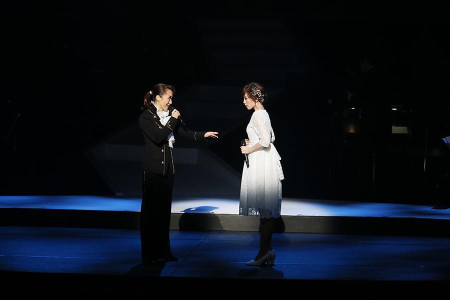 スタイル抜群のフランツ役・稔幸と、初エリザベート役で高音も聴かせた龍真咲