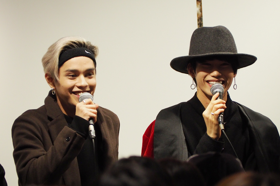 笑顔でトークする、バトシンと、「だお」こと志村禎雄