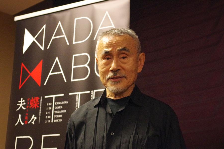 1月26日の大阪公演を前に「蝶々さんは、愛されてると思った男に騙される、メロドラマの典型のお話。きっと泣きます、泣かせます、という売り文句でやりたい」と意気込みを話す演出家の笈田ヨシ