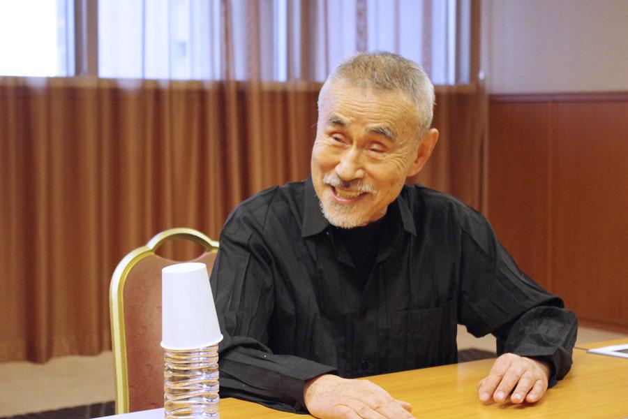 「6つ、7つの頃からお芝居が好きで小芝居、歌舞伎、剣劇、文楽とかをよく見てた。学校休んで・・・。僕の起源は神戸の新開地ですね」と笈田