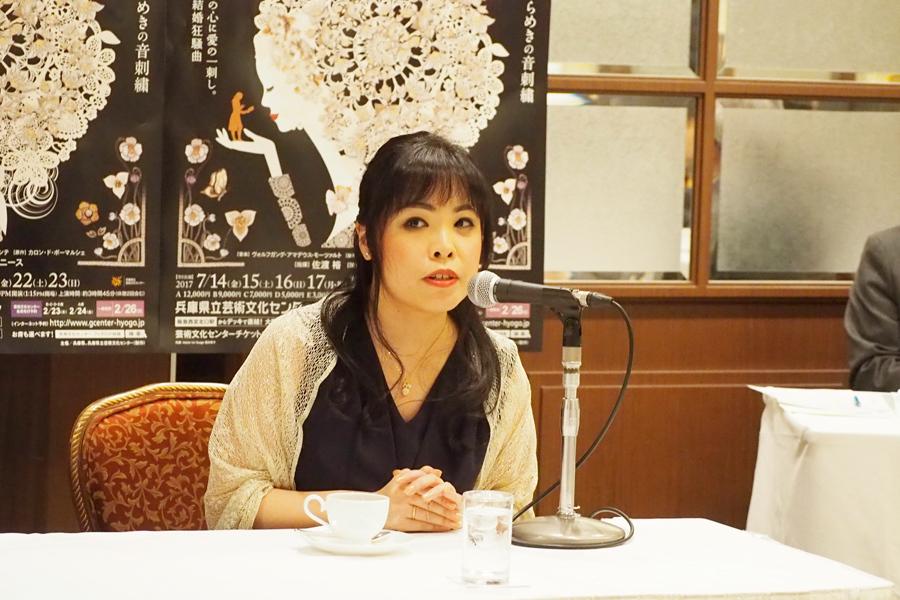 「人間関係や感情などをお客様に伝える役なので、歌う分量が非常に多い」と、スザンナ役について説明する中村恵理