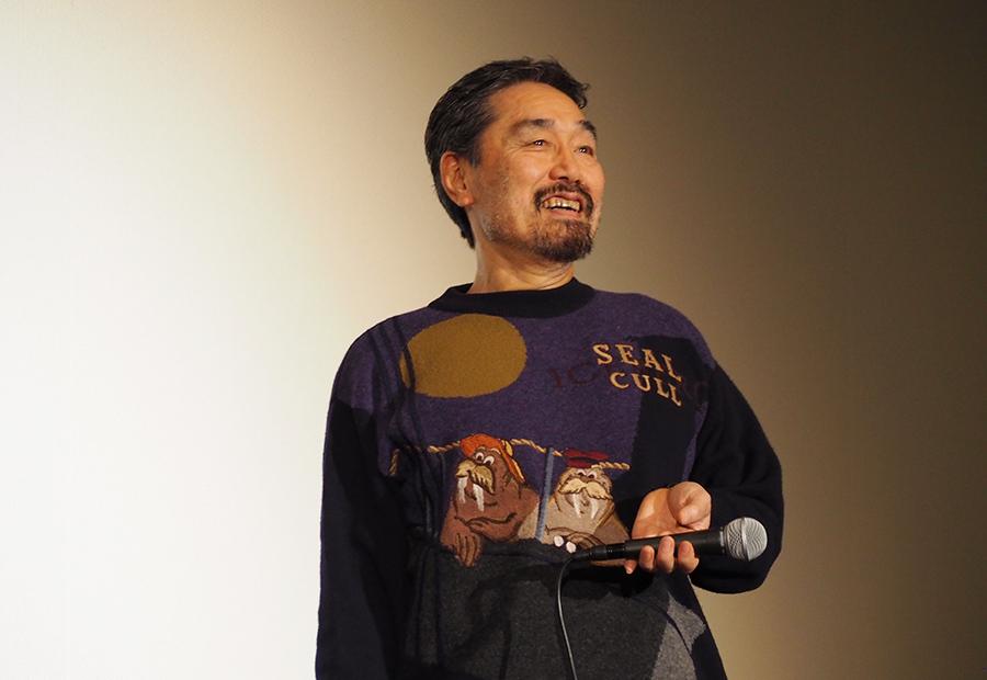 自身の作品が原作となった映画『破門』の舞台挨拶に登場した作家・黒川博行(20日・大阪市内)