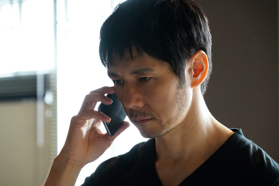 小栗旬演じる稲見朗の同僚・田丸三郎役の西島秀俊