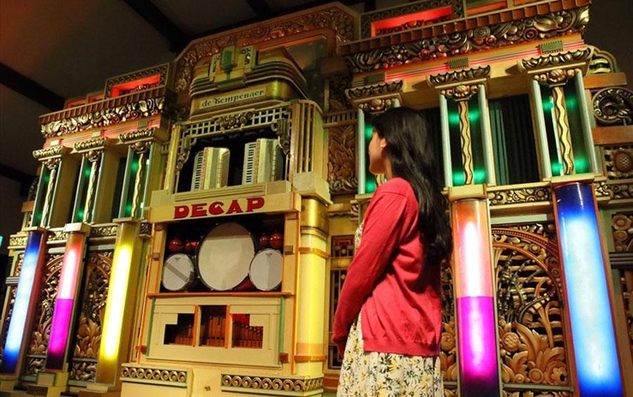 六甲山上にある「六甲オルゴールミュージアム」(神戸市灘区)で3月3日から、世界最大級の自動演奏オルガン・ケンペナーや、アンティーク・オルゴール、手回しオルガンなどを使い、ディズニー映画の楽曲が演奏される