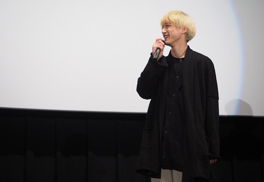 主演映画の舞台挨拶をおこなった俳優の坂口健太郎(23日・大阪市内)