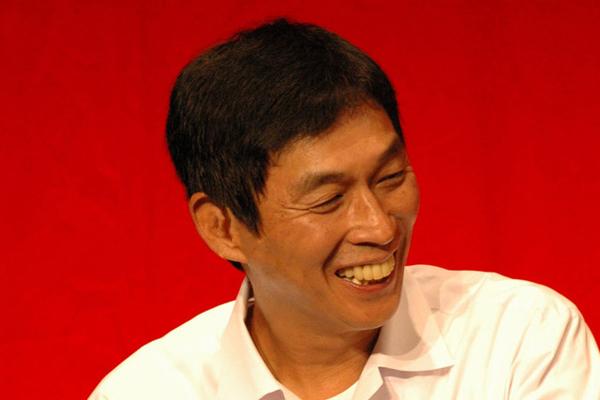 「大坂城ホール」でのイベントで松山千春らと共演する明石家さんま