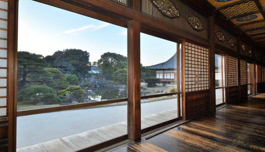 大政奉還150周年を記念し公開される、二条城・二の丸御殿大広間廊下からの眺め(7日より、京都市中京区)