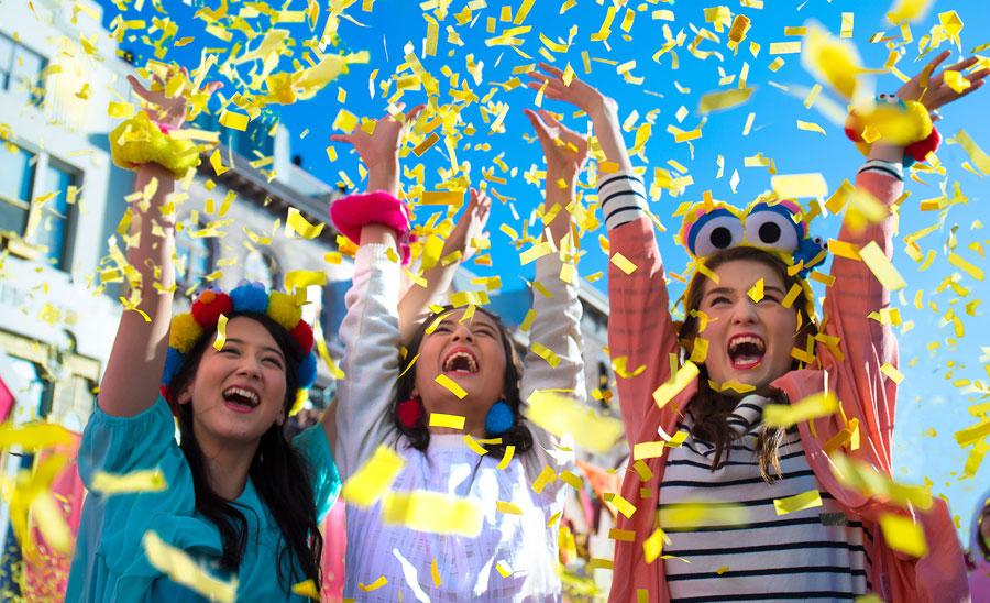 学生旅行シーズンに訪れた学生グループが、翌年は無料で再来場できるキャンペーン