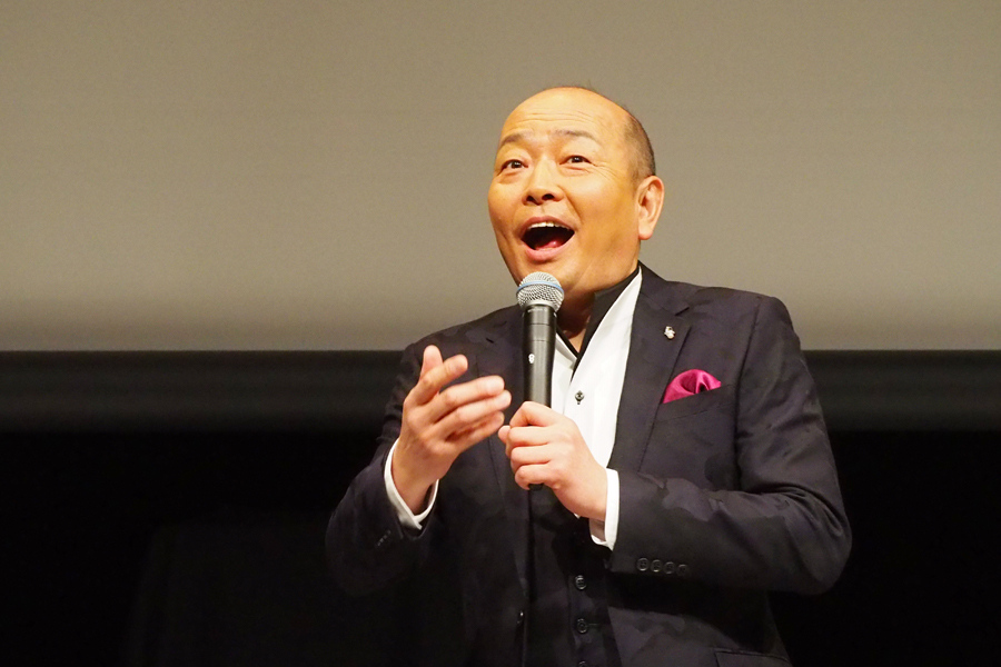 大阪環状線の思い出について「鶴橋でおばちゃん3人くらいが『きゃ〜ヤマヒロさ〜ん! デコ触らして〜って』って、ビリケンの足ちゃうんやから」と苦笑する山本浩之アナ